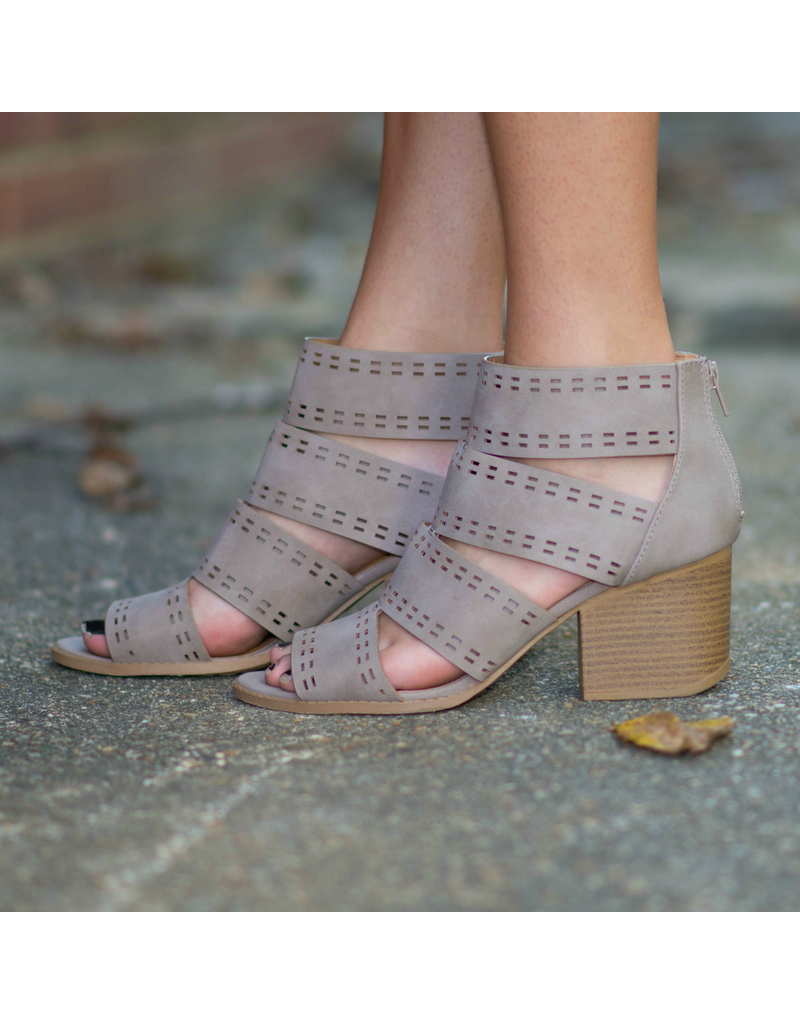 Shoes 54 Fall Strides Taupe Block Heel