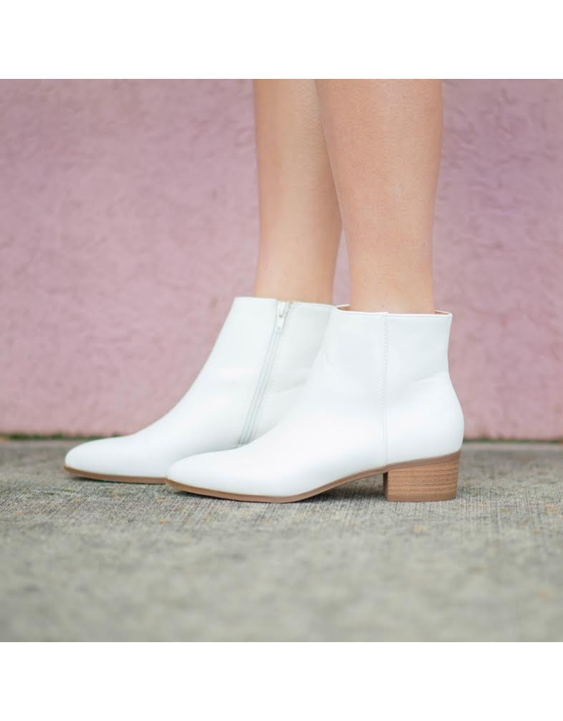 Shoes 54 Wait Is Over White Bootie