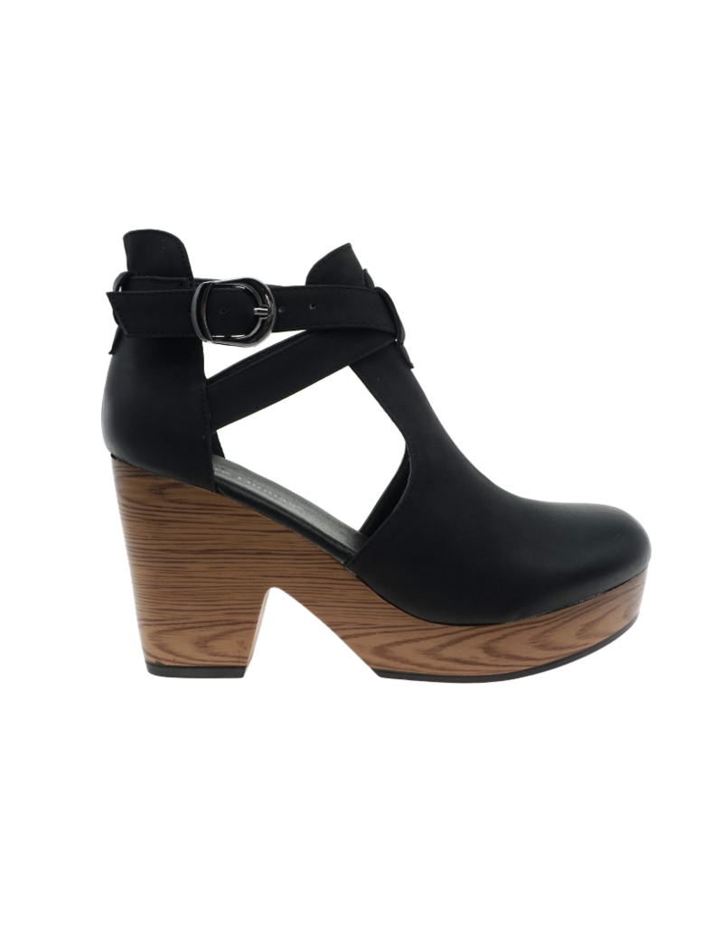 Shoes 54 Adventure Black Platforms