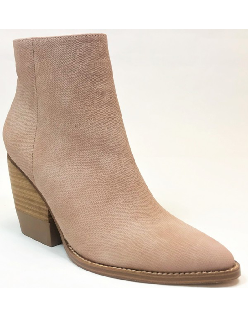 Shoes 54 Best Move Blush Textured Boot