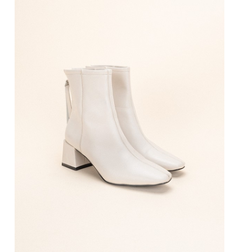 Shoes 54 White Leather Booties