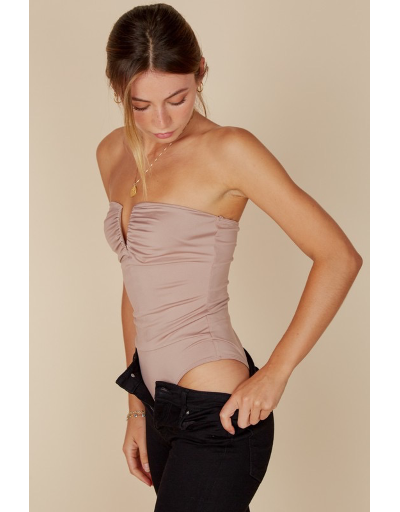 Tops 66 Strapless Bodysuit