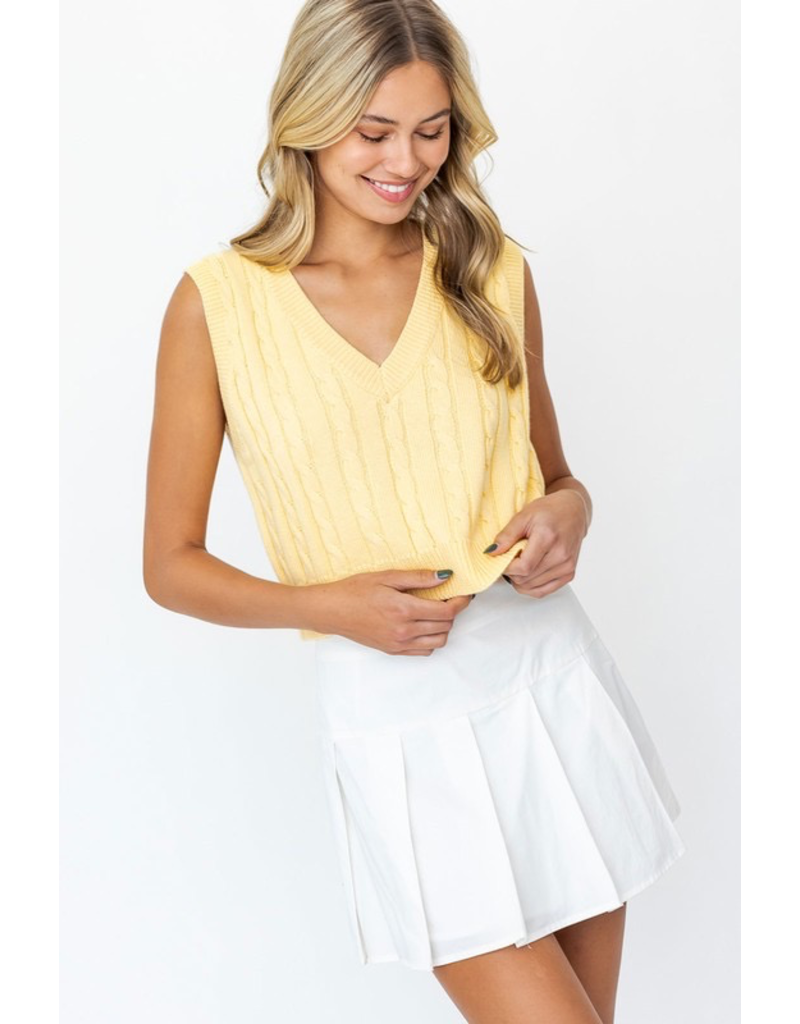 Tops 66 Cute Cable Knit Vest (Available In 2 Colors)