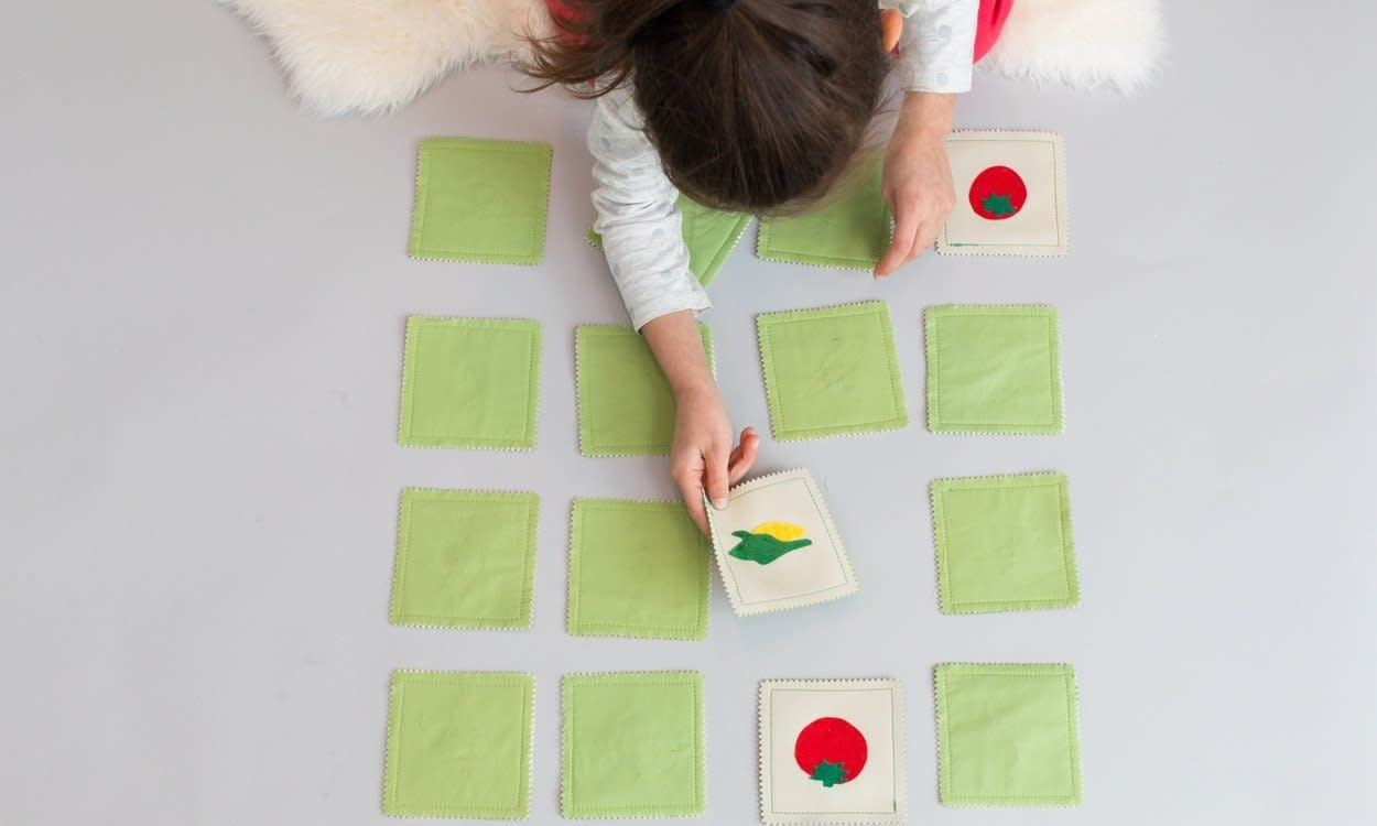Zeki Learning Vegetable Matching Memory Game