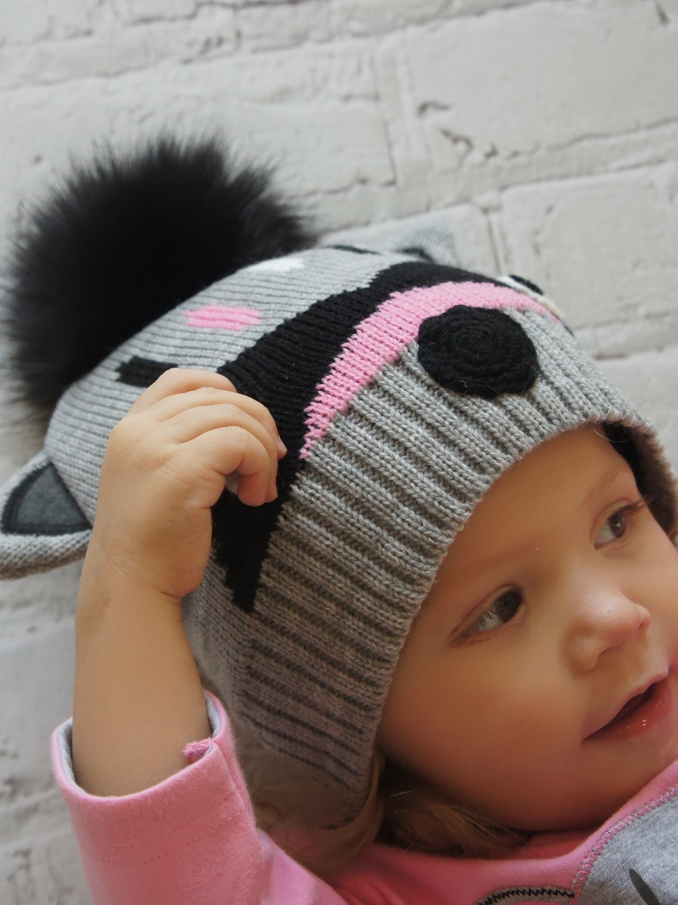 Blade and Rose Raccoon Bobble Hat and Mitten Set