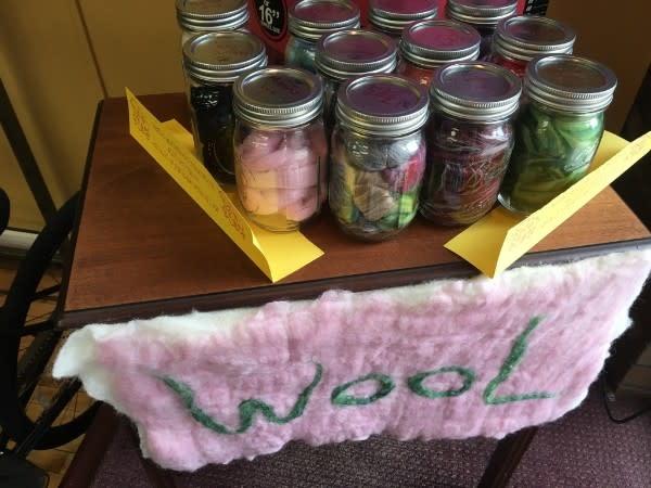 1 Ounce Wool with Jar