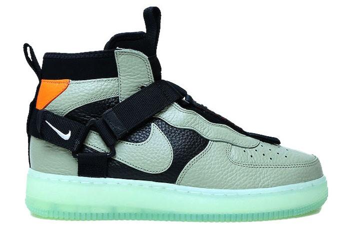 new products 55b54 6b536 Nike NIKE AIR FORCE 1 UTILITY MID SPRUCE FOG