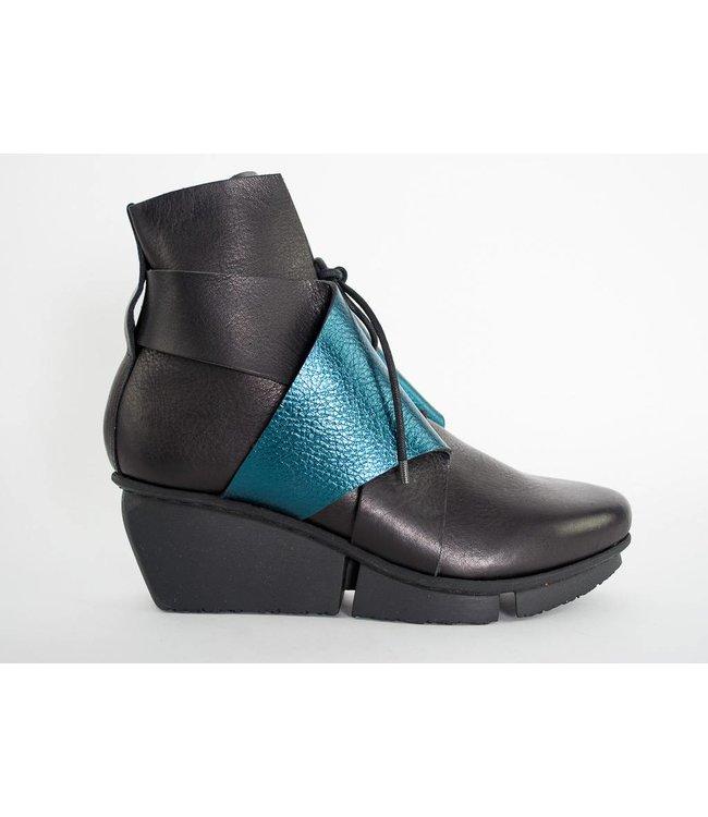 Trippen Swivel Boot