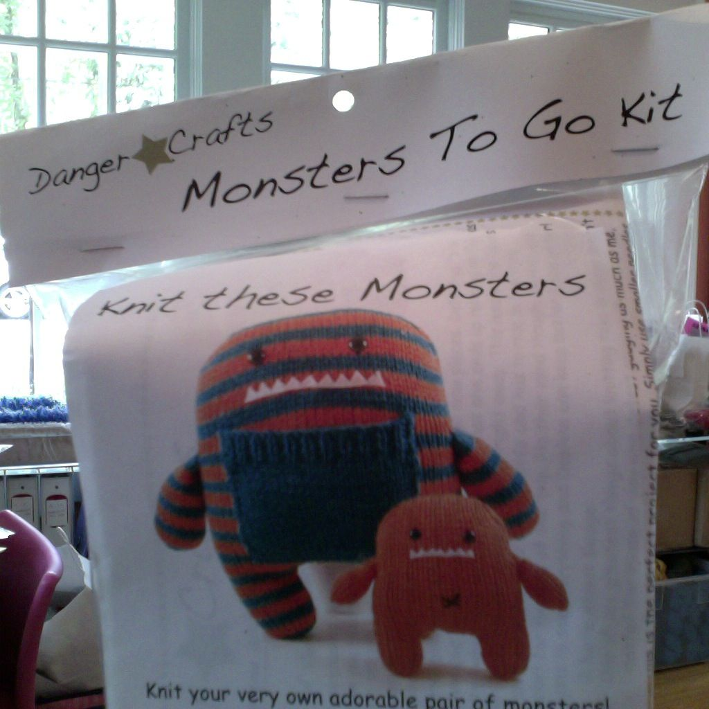 Yarn DAPHNE AND DELILAH MONSTER KIT