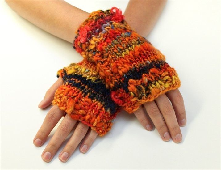 Yarn ISLAND SWEET GLOVE KIT WITH NEEDLES