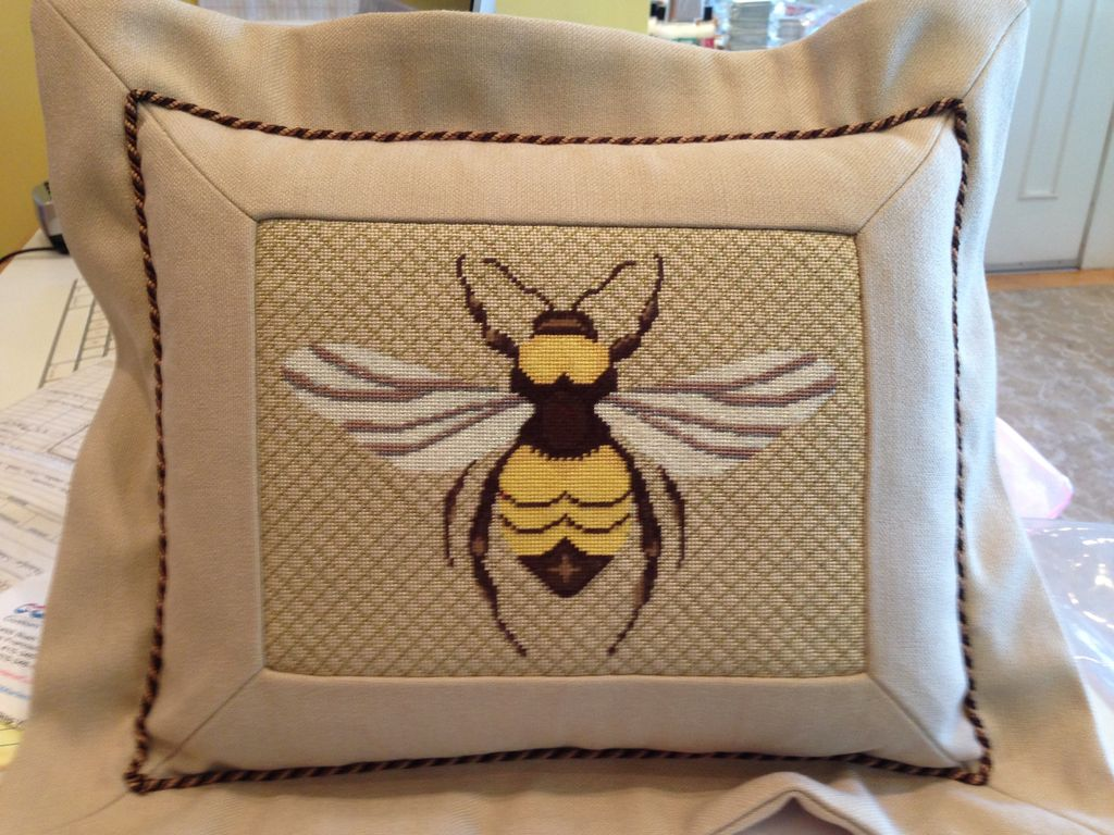 Canvas FLANGED BEE PILLOW<br />FINISHING BY MARLENES