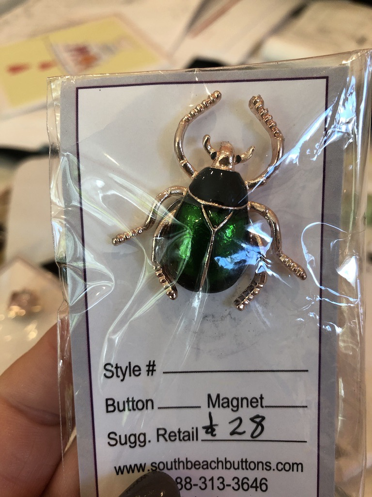 Accessories NEEDLE MINDER - ENAMEL BEETLE