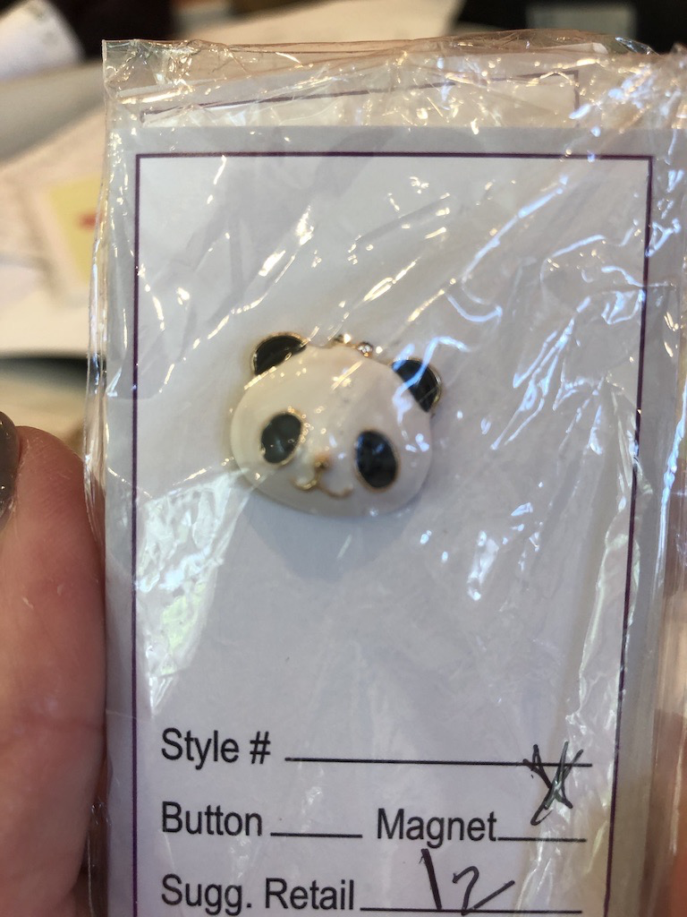 Accessories NEEDLE MINDER - ENAMEL PANDA