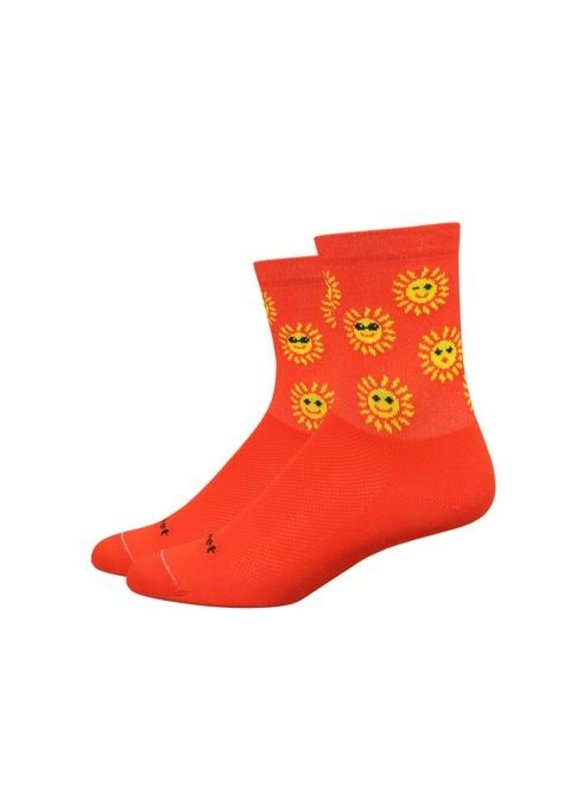 "DeFeet Defeet Aireator Women's 4"" Sunny day Sock: Poinciana/Yellow MD"