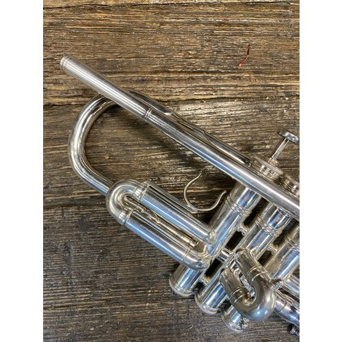 E Benge Chicago/Burbank Trumpet! ~ Nice condition! ~ Ready to play! Vintage!