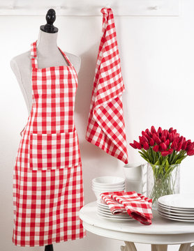 "24"" x 36""Red Gingham Apron"