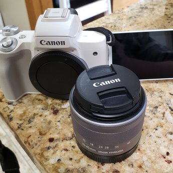 Used Canon eos M50 15-45mm IS STM kit (White)