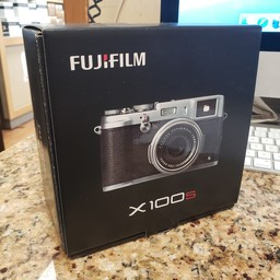 Used Fujifilm X100s camera