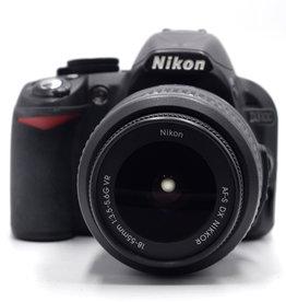 Used Nikon D3000 18-55mm VR kit