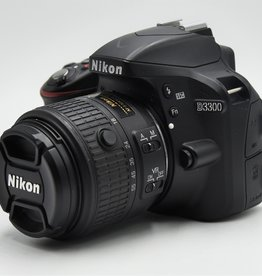 Used Nikon D3300 w/ 18-55 VR Lens Kit