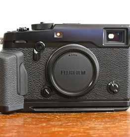 Used Fujifilm X-Pro2 w/MHG-XPRO2 grip (Body only)