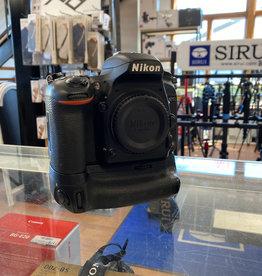 Used Nikon D750 w/ Nikon Battery Grip (37k clicks)