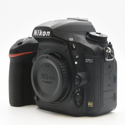 Nikon D750 body 26k Clicks