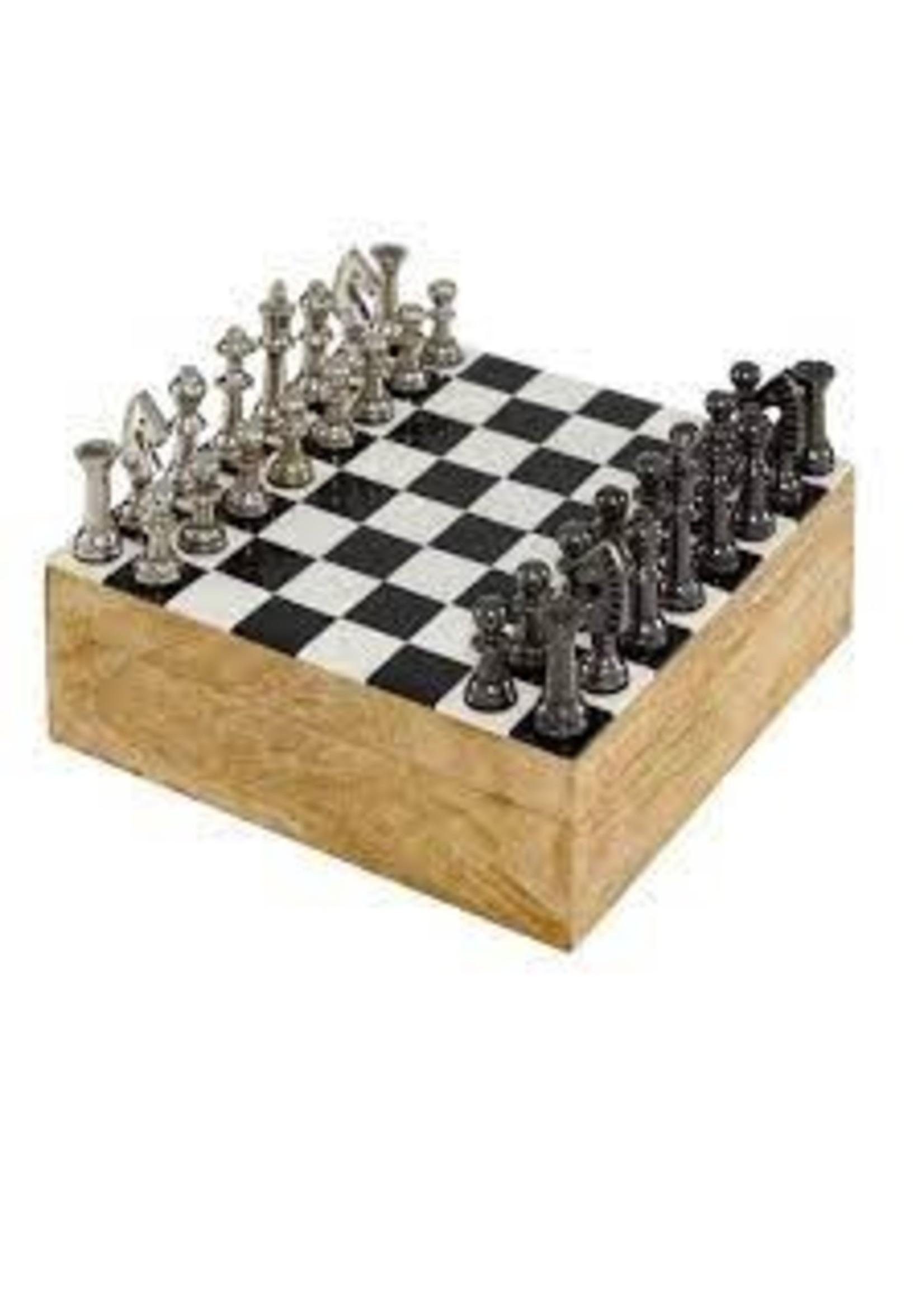UMA Enterprises Aluminum and Wood Chess Set