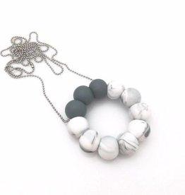 OneChewThree OneChewThree O-Pendant Silicone Teething Necklace