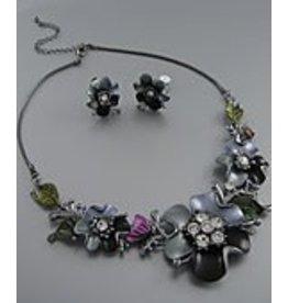 Golden Stella Epoxy & Crystal Flower Clip Necklace & Earrings Set Gray/Black