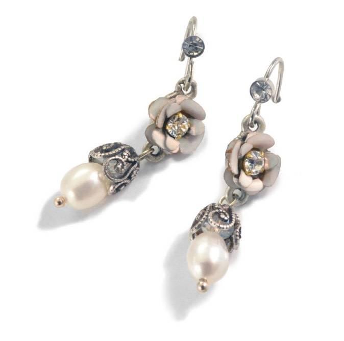 Sweet Romance Flower & Pearl Dangle Earrings