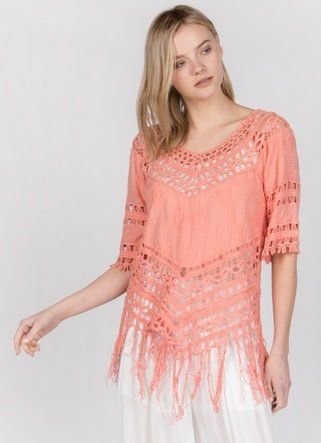 Monoreno 3/4 Sleeve Fringed Top w/ Crochet Lace Coral