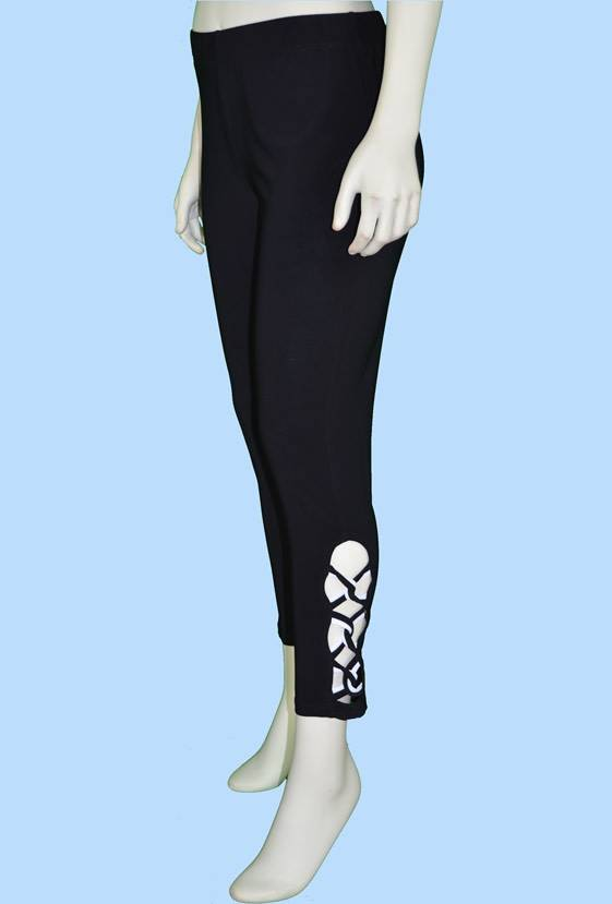 Pretty Woman Legging w/ Lattice Work B&W Plus