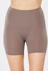 Sportees Spanx 10005R Thinstinchts Mid-Thigh Short