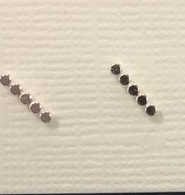 Laughing Sparrow Laughing Sparrow 170-06 Tiny 5 Dot Bar Studs