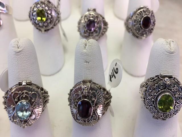 B-Victorian Rings-Locket Type