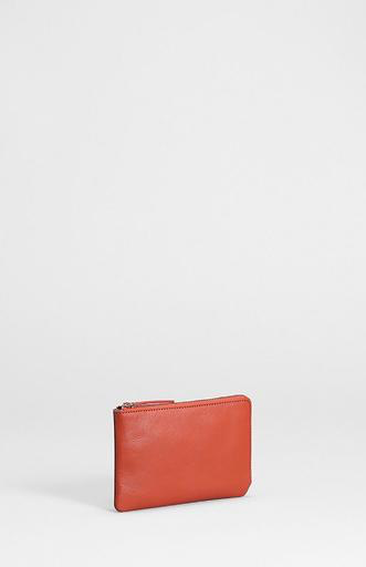 ELK -100% Cow Leather<br /> -Zip top and side with side gusset<br /> -Internal zip coin pocket as divider and three card holders