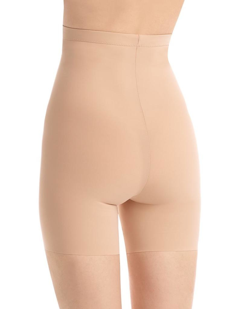 Commando DETAILS<br /> <br /> With a super-high rise, smoothing properties and commando's signature raw-cut hem these control shorts are the ultimate undergarment for a seamless and smooth look.