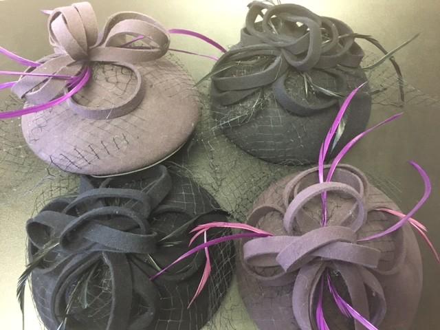 KK 13398 Fascinator Hat with ribbon/veil