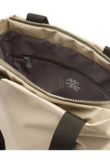 Crumpler Simple but innovative design upgrades to the classic tote<br /> Weatherproof<br /> Zippered main compartment adds security<br /> Zippered front pocket for extra storage<br /> Twin deep accessories separators and zippered pocket in main compartment<br /> Lightweight and durable