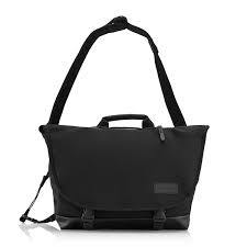 """Crumpler 18.2L of storage<br /> 15"""" external laptop sleeve<br /> 6 separate storage compartments including front pocket mini-office<br /> Padded top handle and padded integrated shoulder strap<br /> Velcro and buckled main compartment closure<br /> Removable third leg strap<br /> Weatherproof"""