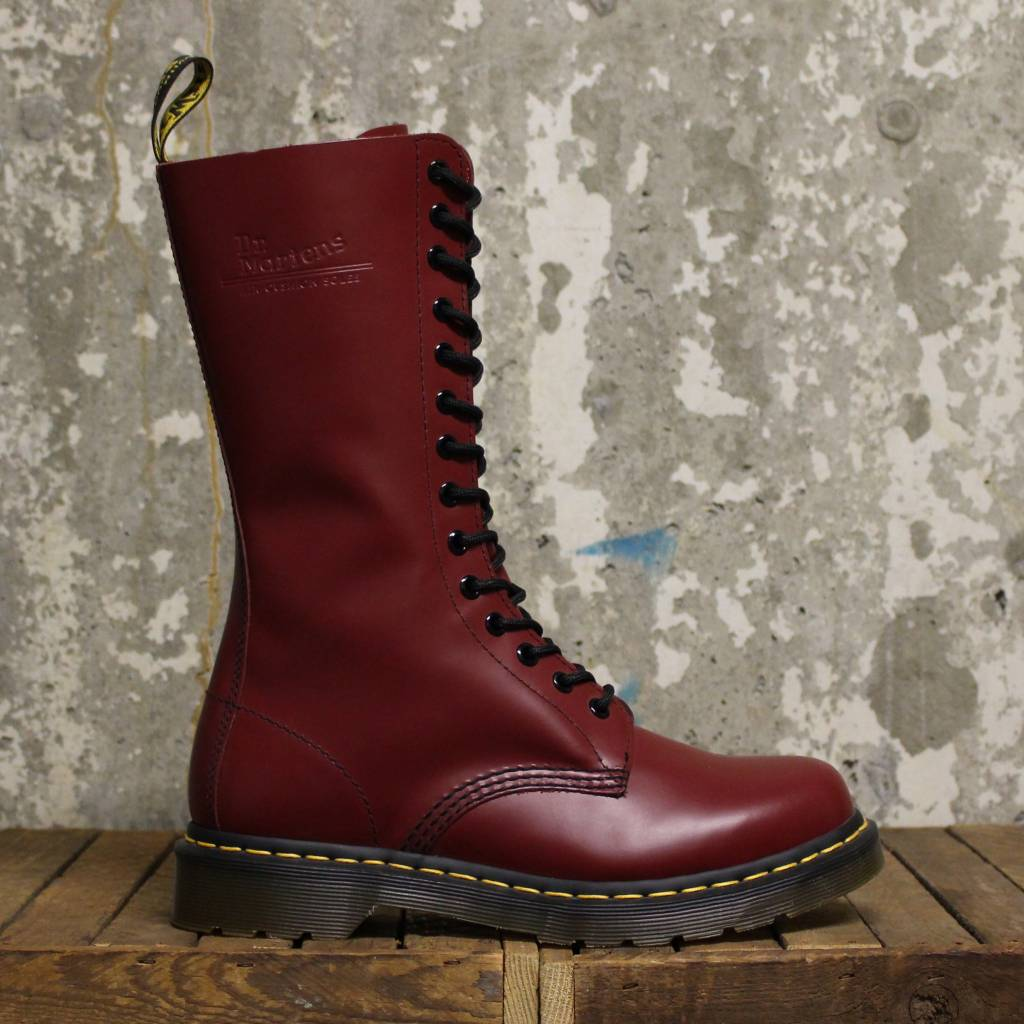 8c13d2adf9a7b9 Dr Martens 1914 14 Eyelets (Smooth) - Cherry Red - Bottes et Baskets