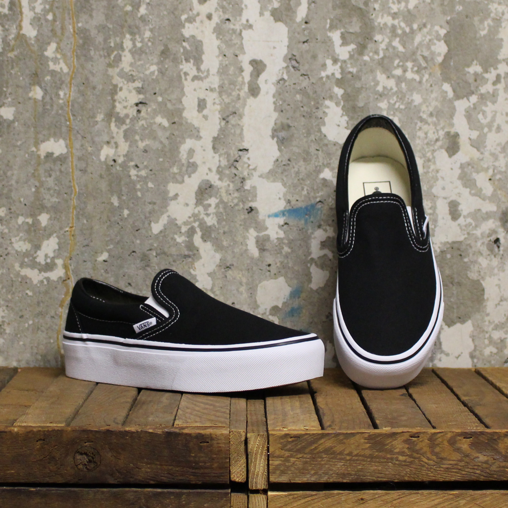 Vans Classic Slip-On Platform - Black