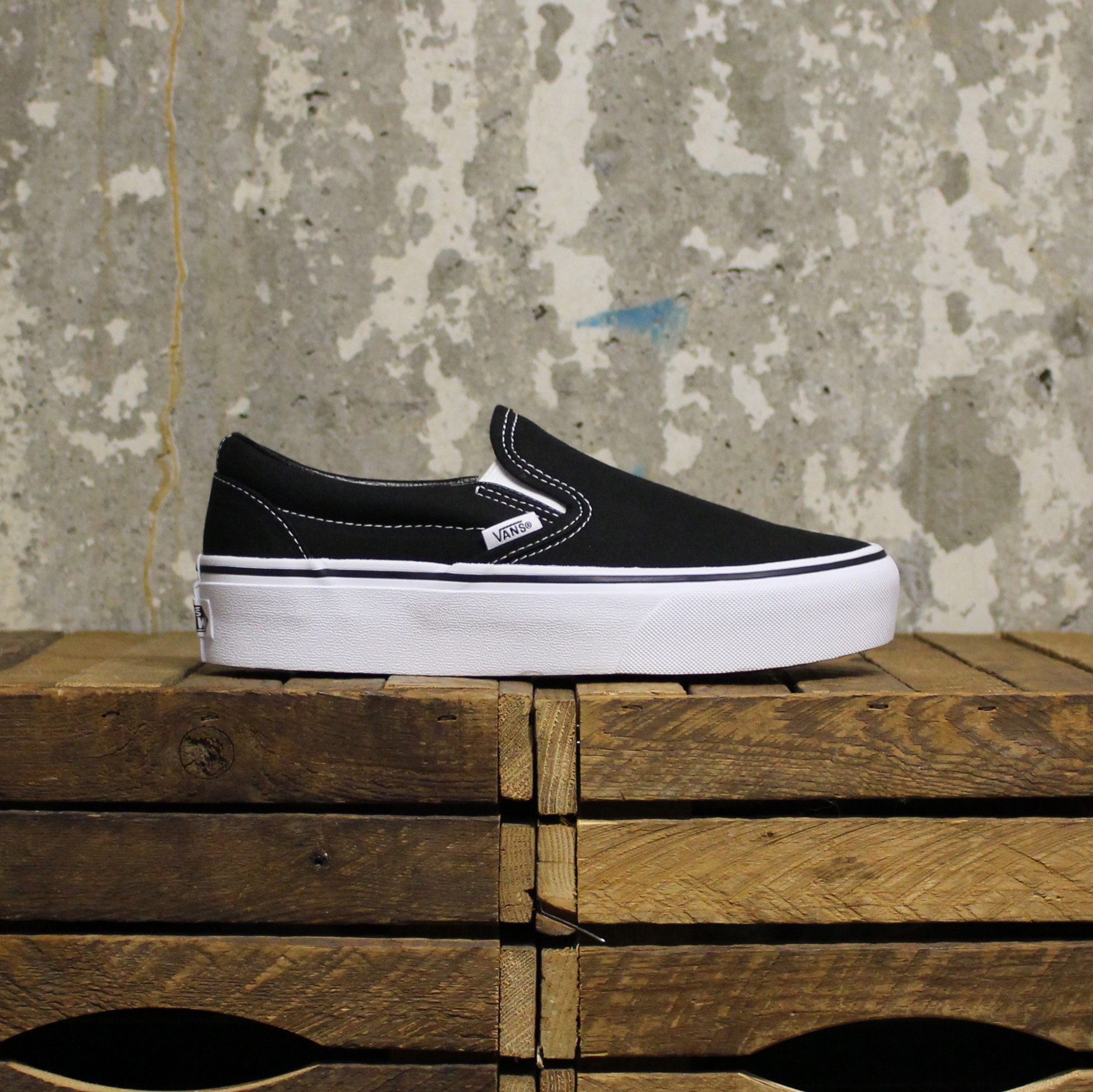 Vans Vans Classic Slip-On Platform - Black
