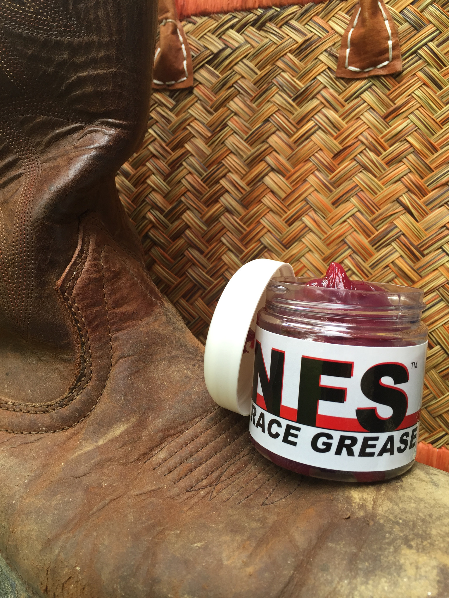 Nix-Frix-Shun, Race Grease