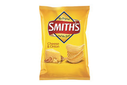 Smith Smiths Crinkle Cut Cheese & onion 90g