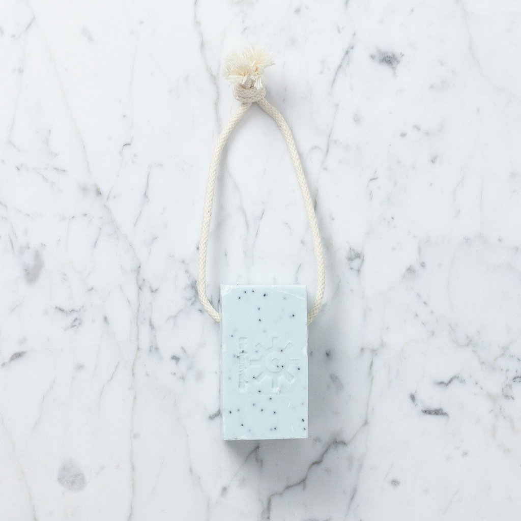 Iris Hantverk Natural Swedish Soap On A Rope - Poppy Mint