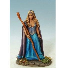 Dark Sword Miniatures EM Female Mage/Druid with Staff