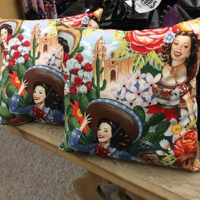 "Pillow - Pin Up Mexican Girls 14"""