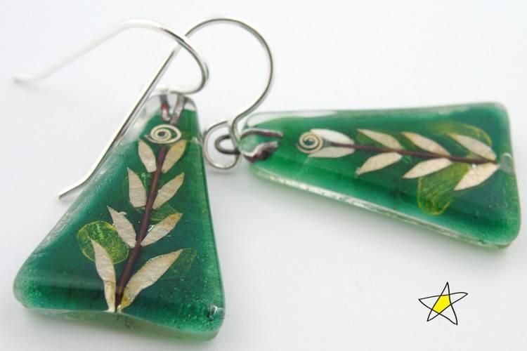 Leaf Medium Triangle Earrings